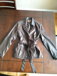 Manteaux cuir femme + ensemble tailleur Email