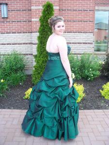 Prom.  Dress Beautiful
