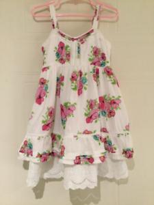 Magnifique robe Zara grandeur 2-3 ans