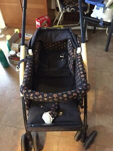 Car seat with base and matching stroller. Baby things   Gatineau Ottawa / Gatineau Area image 5