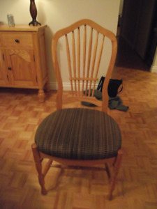 6 solid oak dinning chairs