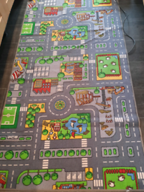 Children's rug (approx 1m x 2m) large size