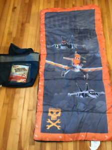 """Kid's Disney """"Planes"""" 2lb Sleeping bag and carry case"""