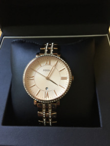 Ladies Rose Gold Fossil watch, like new, Beautiful!!!