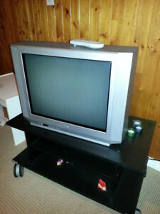 "24"" Toshiba Tube TV with remote"