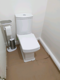 Toilet with flush used in great condition