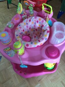 Baby play gym stand and sit for $8