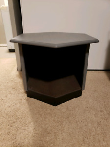 end table / dog bed