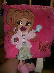 BRATZ DECORATIVE PILLOW FOR SALE Gatineau Ottawa / Gatineau Area image 2