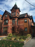 1 Bedroom Apartment in Trendy Parkdale