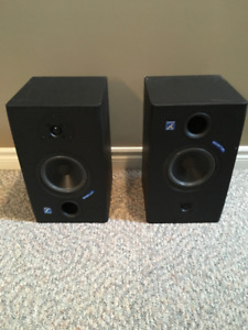Yorkville YSM1P Reference Monitors powered