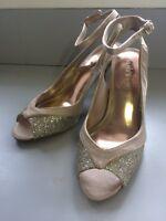 Le chateau heels