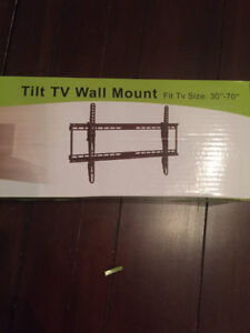 TV bracket for the wall/ Tele support murale