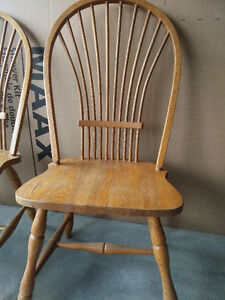 Solid Oak Dining Table and Chairs Kitchener / Waterloo Kitchener Area image 3