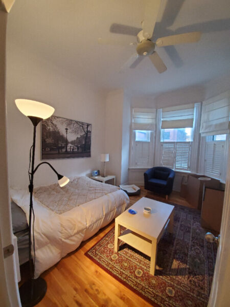 Gorgeous one bedroom in golden triangle for january 1st ...