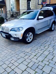 BMW X5 48i DVD Package-7 Seater