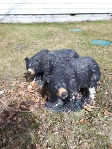 Bear concrete lawn ornaments  (2)