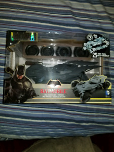METALS DIE CAST BATMOBILE PRE-PAINTED KIT