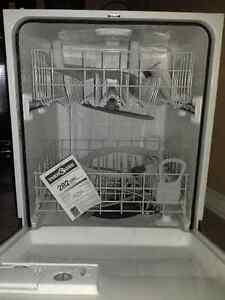 WHIRLPOOL Dishwasher _ Un-used