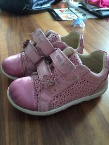Souliers Geox fille taille 8 US