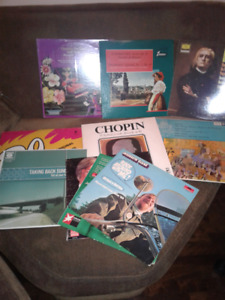 VINTAGE RECORD COLLECTION OF 11 CLASSICAL AND OTHER VINYLS
