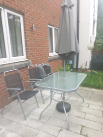6 seater patio set with parasol & base