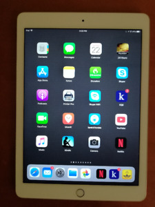 IPad Air 2 64GB & Wireless Keyboard