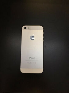 MINT Condition White iPhone 5 16 gb Locked to Bell