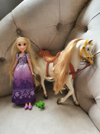 Rapunzel and Maximus doll and horse