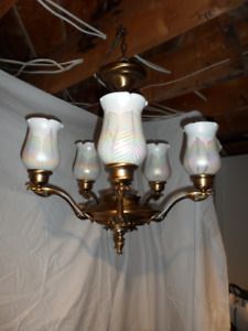 QUOIZEL - ANTIQUE REPRODUCTION 5 LIGHT CHANDELIER