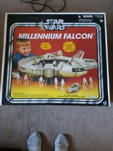 New star wars millennium falcon vintage collection