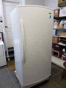 Freezer-Congélateur-Whirlpool> Vertical