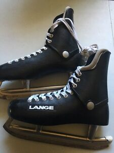 Men's hockey skates (size 10)