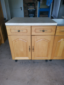 Oak Kitchen Cupboards and Worktops