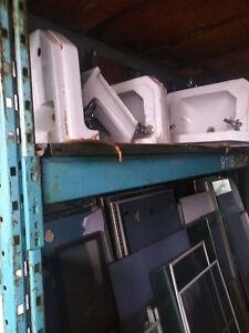 Lavabo & toilette avec réservoir
