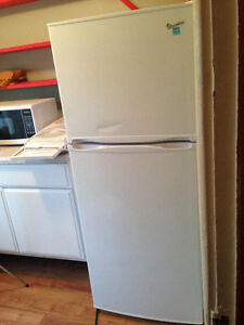 10 cubic foot new fridge