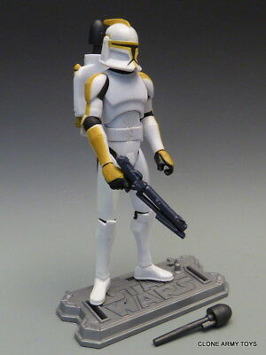 (STAR WARS Clone Trooper 327th CORPS & DROIDS BATTLE PACK JETPACK YELLOWED)