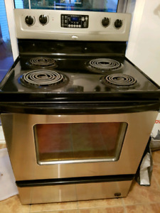 Cuisinière Whirlpool conventionnelle stainless