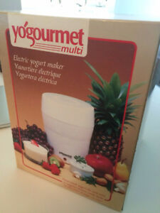New Yogourmet electric yogurt maker