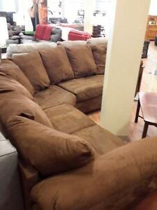 *** USED *** ASHLEY DARCY CAFE SECTIONAL   S/N:51210438   #STORE516