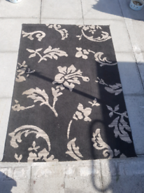 Rug with flower pattern