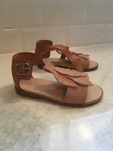 Leather and suede Zara baby sandals. Size 22 (about 5, 5.5) Kitchener / Waterloo Kitchener Area image 4