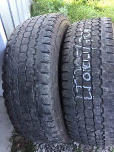 2x Hiver LT 265/70R17 10ply Bridgestone Blizzak W965