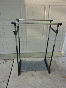 Freestanding double clothes rods / rack