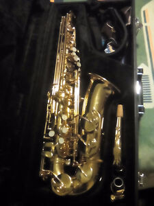Neptune Saxophone for sale, VERY good condition.