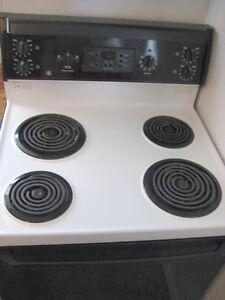 "GE Black/White 30"" Electric Coil Range Kitchener / Waterloo Kitchener Area image 5"
