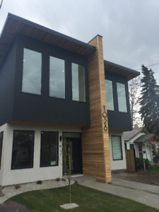 LUXERIOUS NEW DUPLEX STEPS FROM OKANAGAN BEACH
