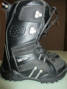 Youth Snowboard Boots Kingston Kingston Area image 1