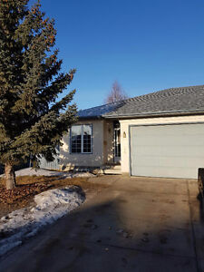 3 bedroom with den in morinville