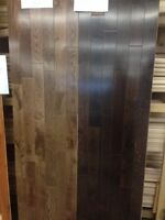 """Plancher chêne 3 1/4"""" prévernis 3,25$ pied carré"""